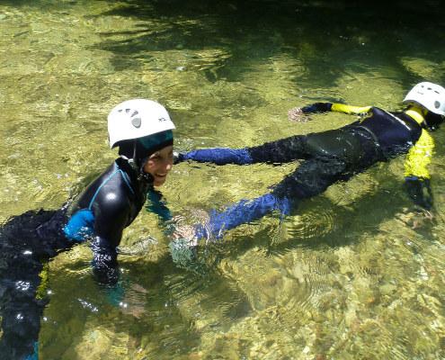On revit dans l'eau de la rivière lors du stage immersion nature