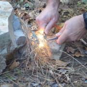 Faire du feu en stage de survie